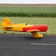 Le  Gee Bee D  N°30 au décollage d'Hervé Batard