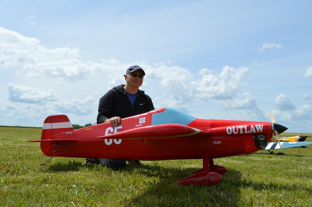Laurent Barby à fait appel a Patrick pour les 1ers réglages en vols de ce nouvel oiseau