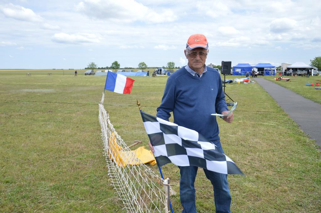 Au drapeau à damier Claude Léger