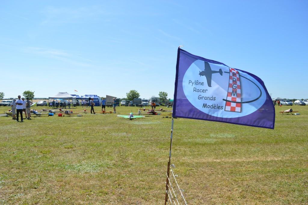 Nouveauté cette année , un.. des  petits drapeaux  du PRGM