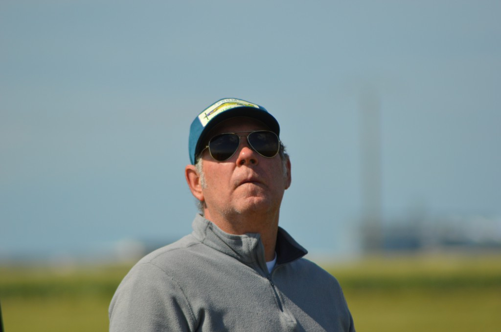 Baudin Patrick surveille  le bon déroulement des courses