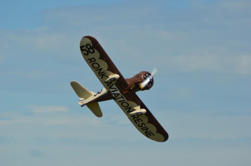 Ce Gee Bee Y est également produit par Ronk Aviation Résine