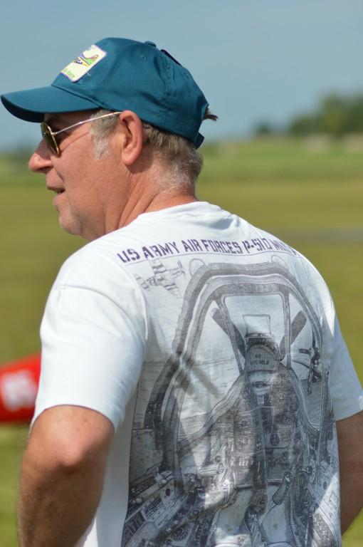 Au dos du Tee shirt  de Patrick - Le Cockpit du célèbre  P51 Mustang