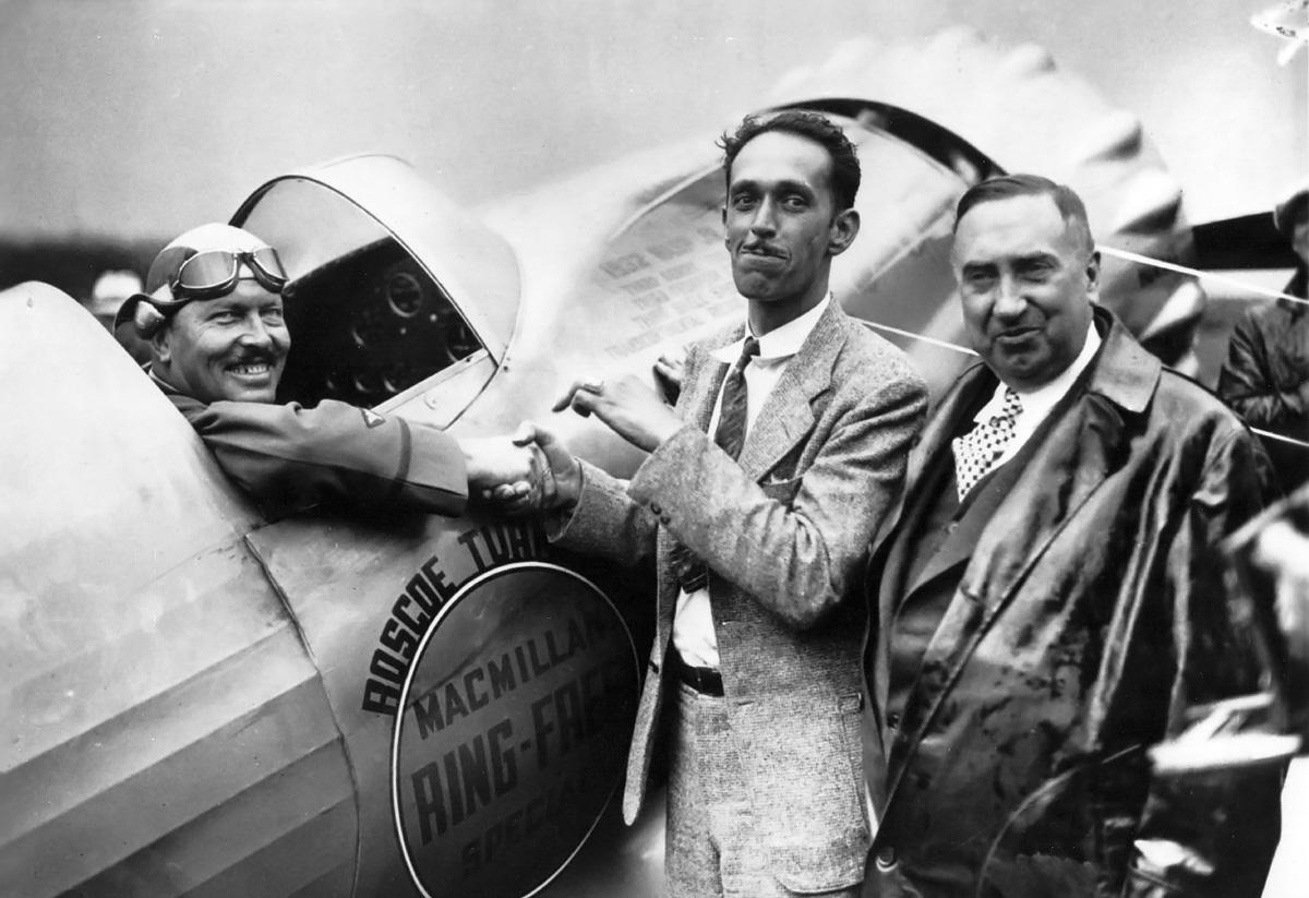 Roscoe-Turner-Howard-Bendix-1933